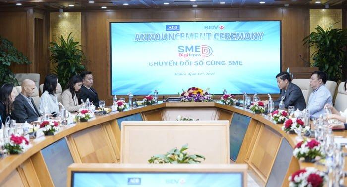 (Tiếng Việt) Doanh nghiệp sản xuất SPCNCL Hà Nội: Bắt tay với BIDV, MISA hỗ trợ doanh nghiệp chuyển đổi số